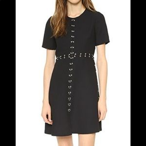 Crepe dress with ring details